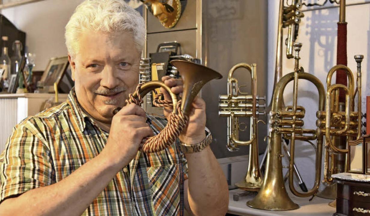 Trompeten und Hörnern gilt Jörg Alexander Kuenzers besondere Sammelleidenschaft.  | Foto: Michael Bamberger