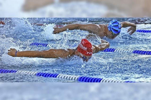 Schwimmen, rutschen, feiern