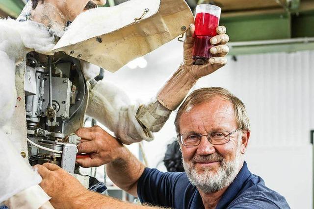 Kaiserstühler Mechaniker überwacht 1600 Figuren