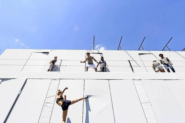 Internationales Tanzprojekt Panoptikum performt im Stühlinger