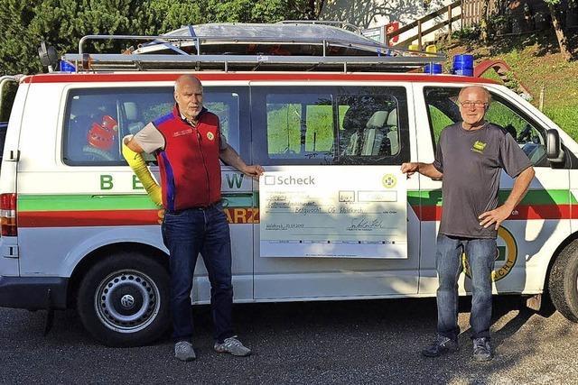 Rockfans spenden 1600 Euro für Bergwacht