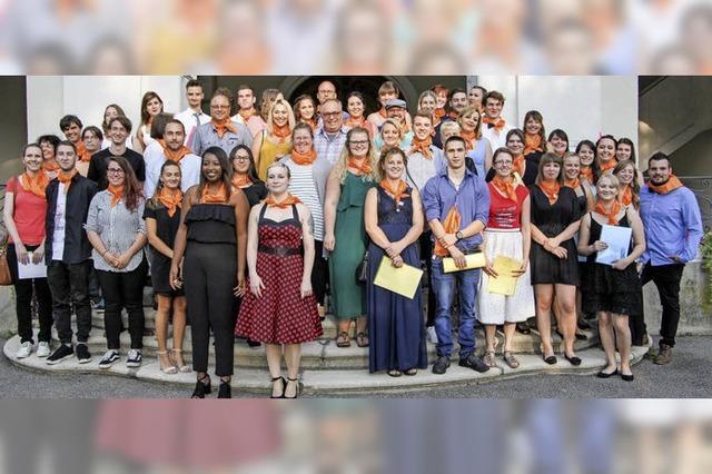 Viele erfolgreiche Absolventen für Sozialberufe