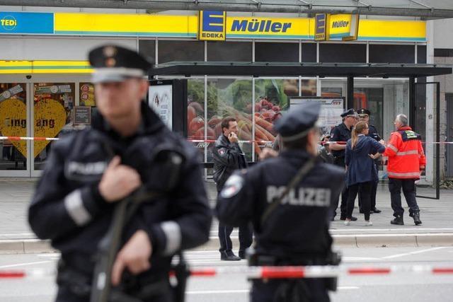 Mann sticht in Hamburger Supermarkt um sich – ein Toter, vier Verletzte