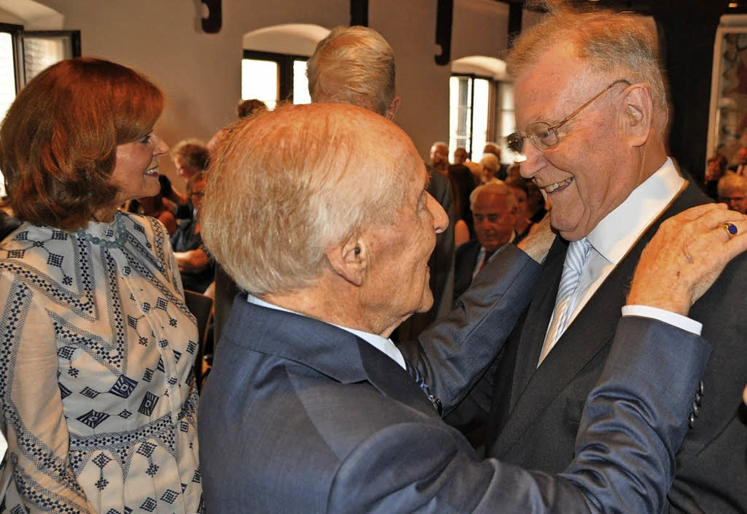 Herzliche Glückwünsche von Ministerprä...ax-Carl Müller, links  Ehefrau Helga    | Foto: Rainer Ruther