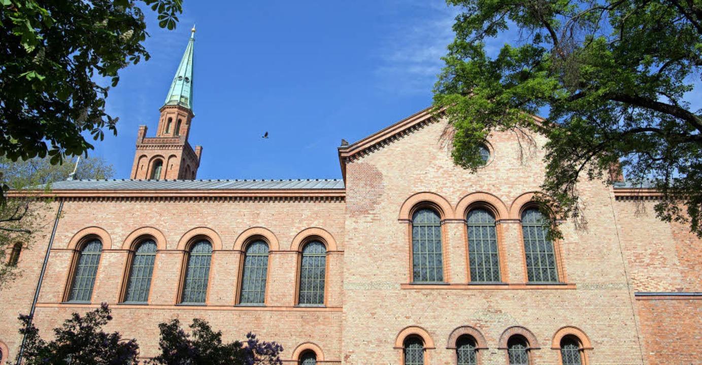 Die liberale Ibn-Rushd-Goethe-Moschee ...hen Kirche St. Johannes untergebracht.    Foto: Ingo Schneider/dpa