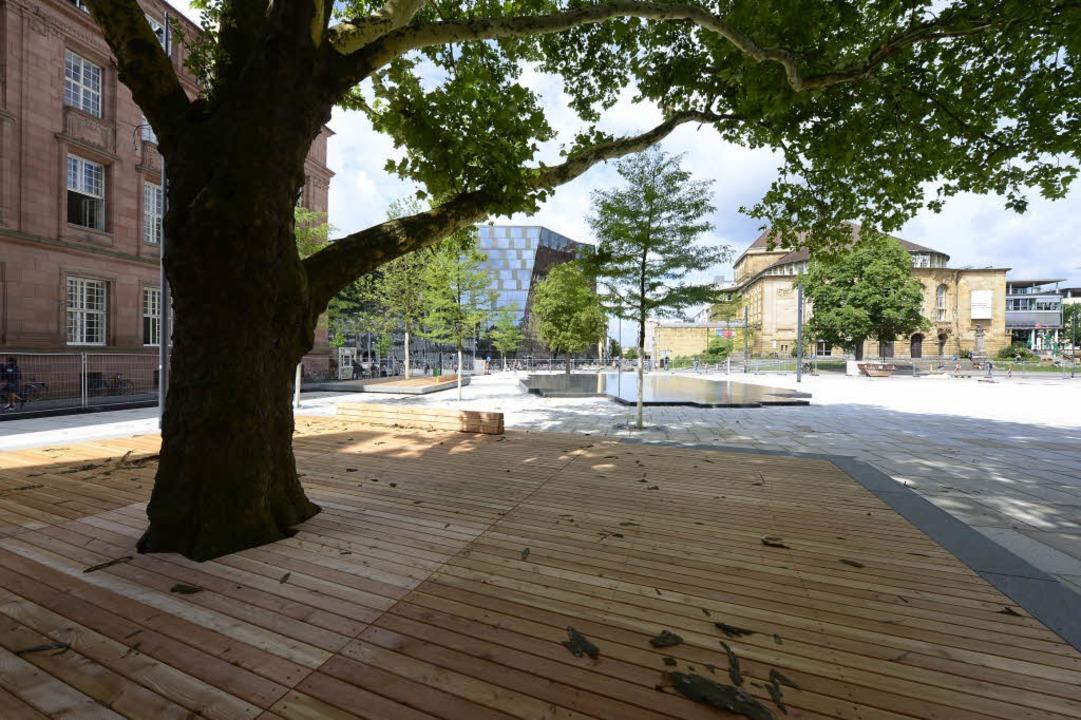 Auf dem Platz der Alten Synagoge werde...s mit einer Wasserfläche verdeutlicht.  | Foto: Ingo Schneider
