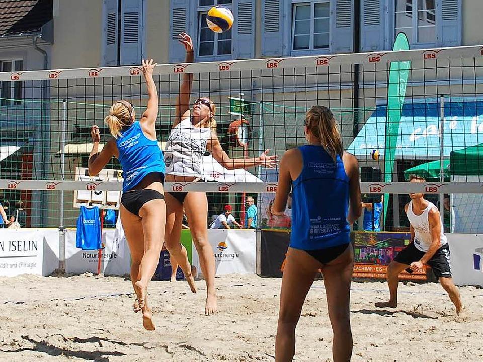 Der Senser Platz einmal anders: Strandsport in der Stadtmitte  | Foto: Thomas Loisl Mink