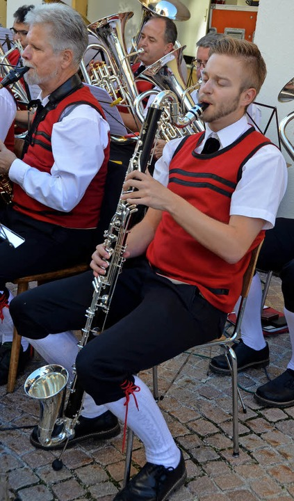 Mit  viel Schwung, Spielfreude und ein...begeisterten die Musiker ihr Publikum.  | Foto: Christiane Sahli