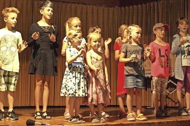 Junge Musiker und renommierte Stars