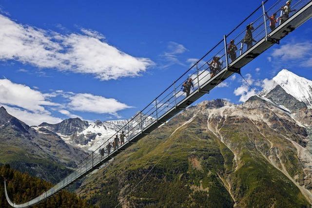 Längste Fußgänger-Hängebrücke eröffnet