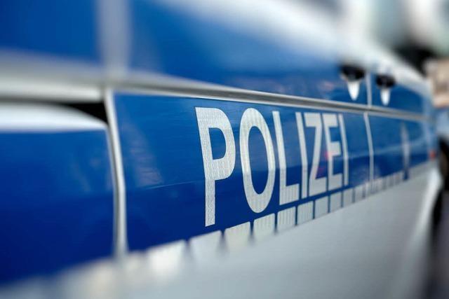 Mann rastet aus und droht Nachbarn – Polizei muss mit Spezialeinheit anrücken