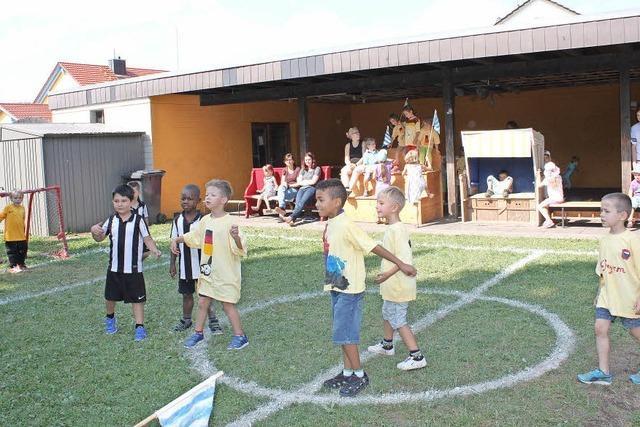 Fröbel-Kinder bauen eigenes Stadion