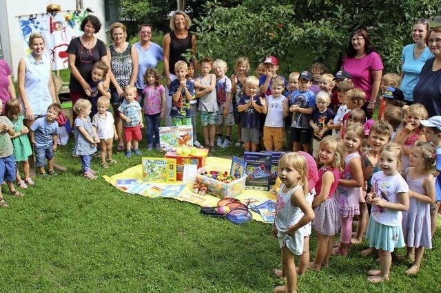 Elternbeirat schenkt viele Spielsachen