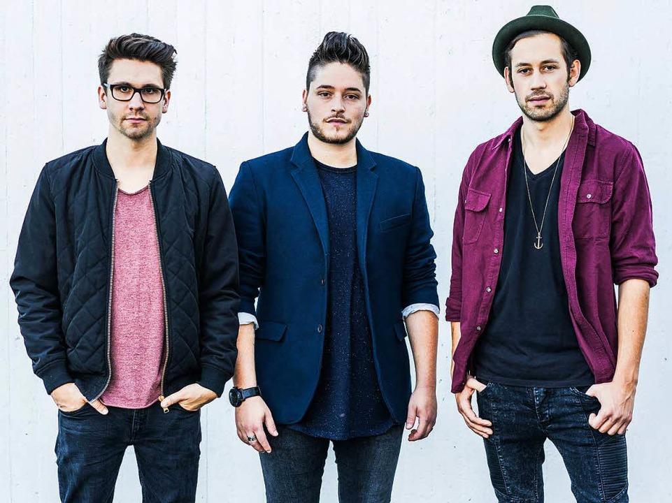 Patrick Huber, Daniele Cuviello und Se...ner (von links)  sind Sameday Records.  | Foto: Philip Wißgott