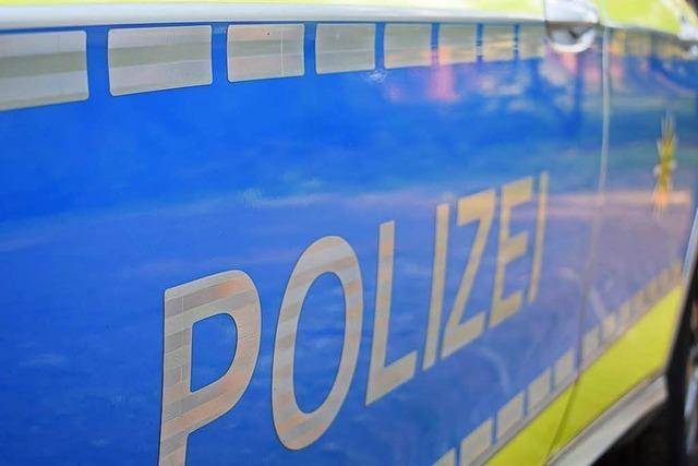Motorrad prallt in Bad Säckingen auf Auto: beide Fahrer angezeigt