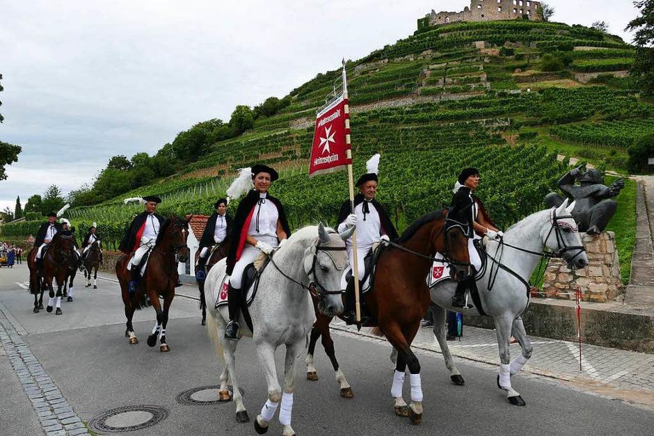 Die Traditions-Reitertruppe aus der Malteserstadt Heitersheim führt traditionell den Festumzug an. (Foto: Hans-Peter Müller)