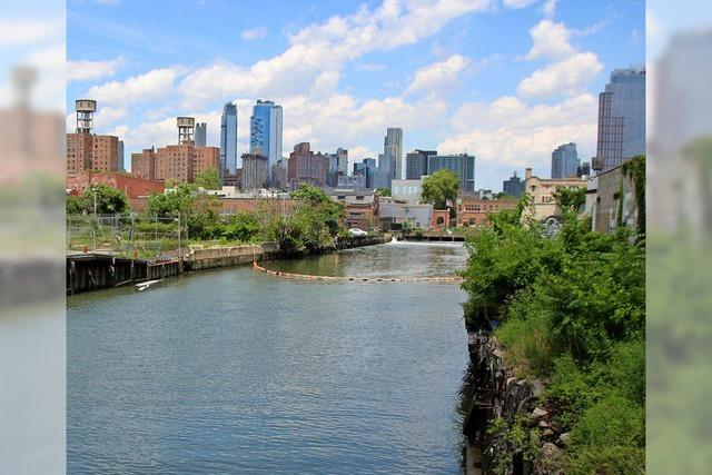 Der Gowanus-Kanal in Brooklyn ist ein Fluss aus Dreck