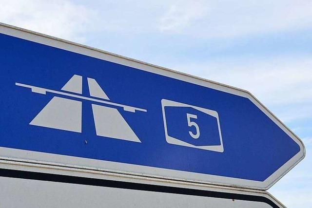 Auffahrunfall bei Teningen verursacht Stau auf der A5