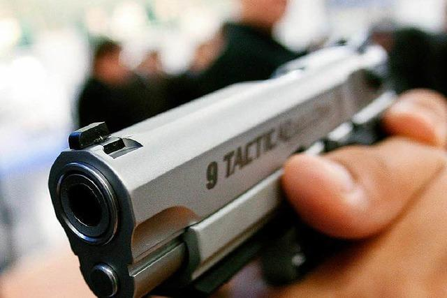 Bewaffnete Überfälle auf Spielhallen in Breisach und Kirchzarten