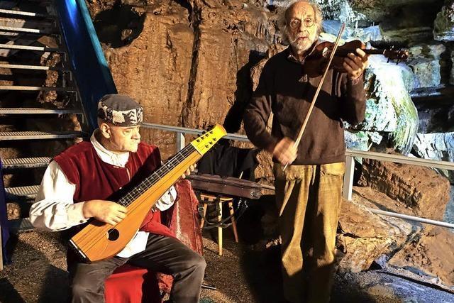 Geige trifft auf Grotte