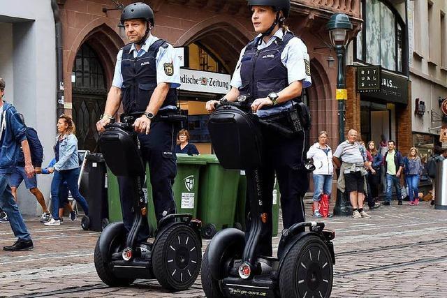 Polizei geht in Freiburg jetzt mit Segways auf Streife