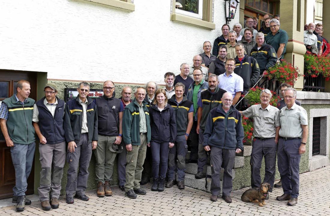 An die 40 Forstleute trafen sich in Bo...des Landesbetriebs ForstBW zu bringen.  | Foto: Stefan Limberger-Andris