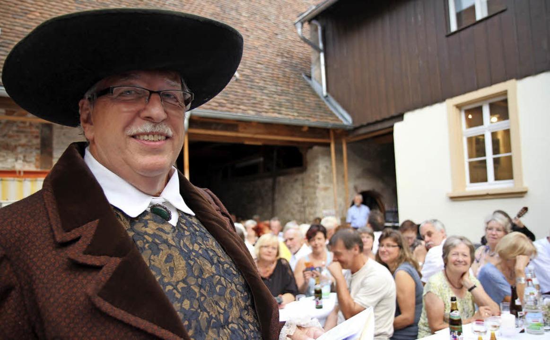 """""""Goethe"""" alias Bernd Hagen... Freundschaft, über Gott und die Welt.    Foto: Dagmar Barber"""