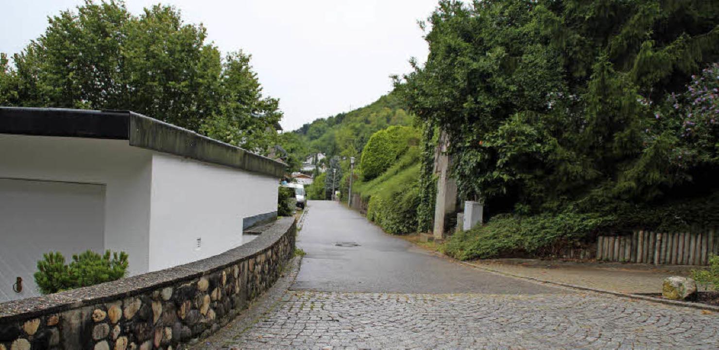 Der schmale Schneckenbergweg könnte  v...r morgendliche Schulverkehr ausbleibt.  | Foto: Rolf Reißmann