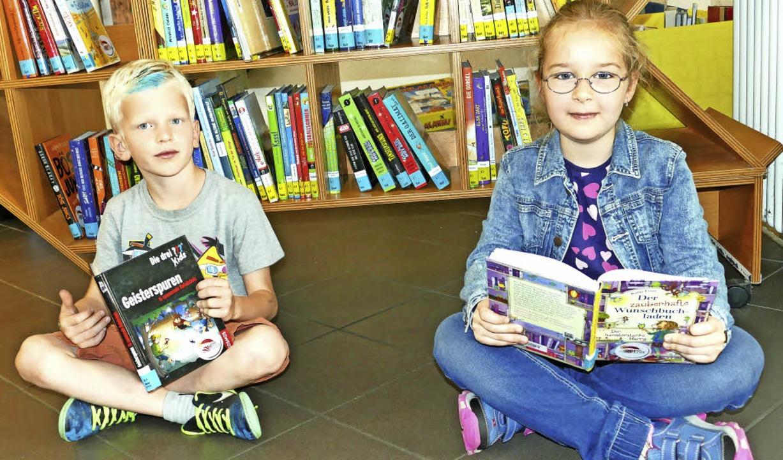 Paulina Stärk und Noah Wunderlich sind echte Leseratten.     Foto: E. Bischoff
