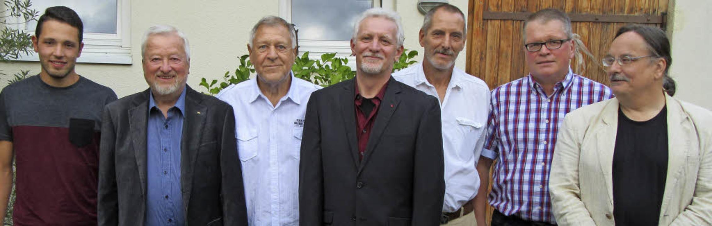 Von links: Lukas Strobel (Beisitzer), ...tzender), Frieder Müller (Beisitzer).   | Foto: Privat