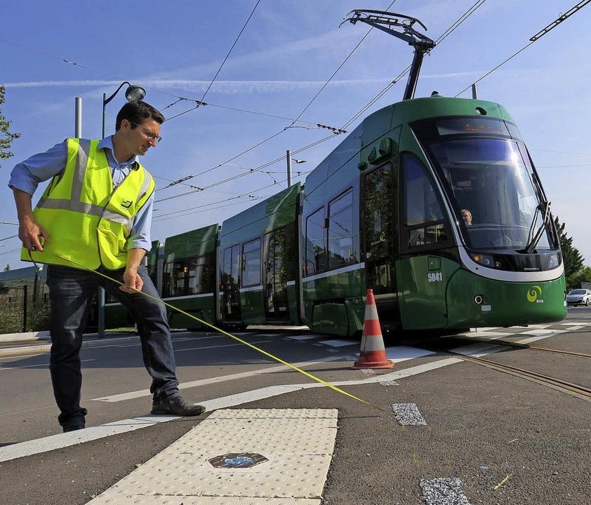 Inzwischen fahren die BVB-Trams im Test bereits bis zum Bahnhof in Saint-Louis.   | Foto: Jean-Francois Ott