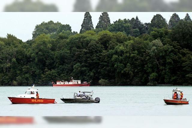 Abestürztes Kleinflugzeug wird in 60 Meter Tiefe geborgen
