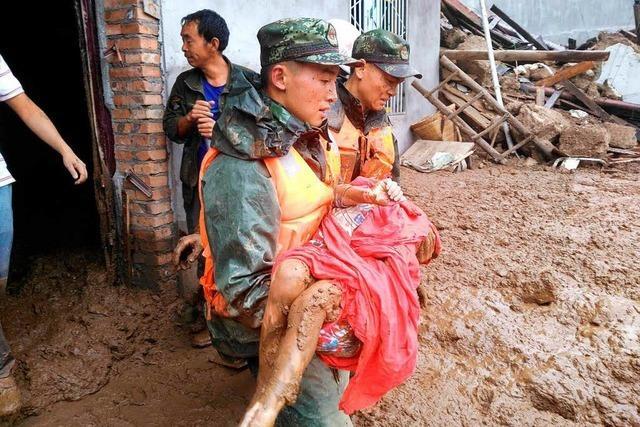Tote und Verletzte nach schwerem Erdbeben in China