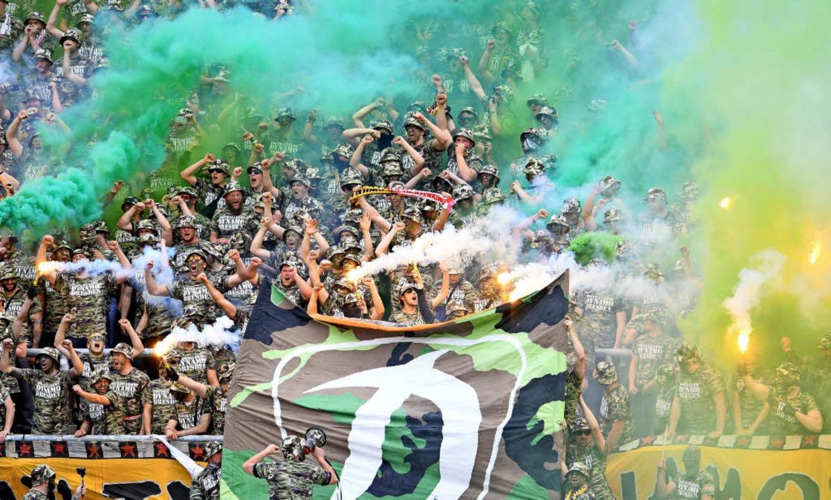 Weil gewisse Anhänger von Dynamo Dresd...sten Bundeslandes ausgetragen werden.     Foto: dpa