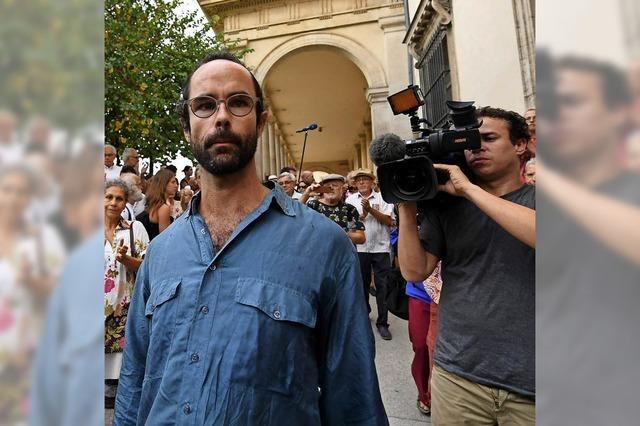 Richter verurteilen den Biobauern, der Flüchtlingen hilft