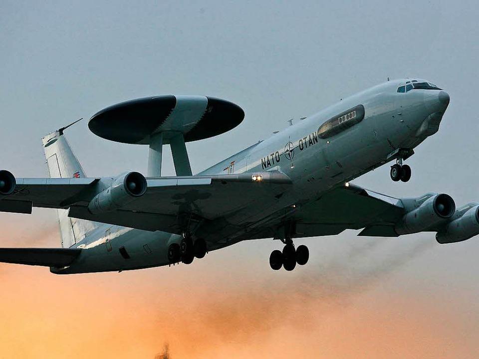 Solche Awacs-Aufklärungsflugzeug der N...sind im türkischen Konya stationiert.     Foto: dpa
