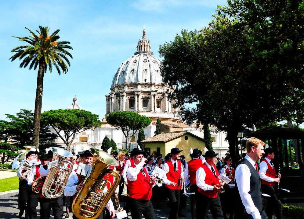 Die Winzerkapelle Oberbergen war auch schon zum Musikmachen in Rom.     Foto: privat