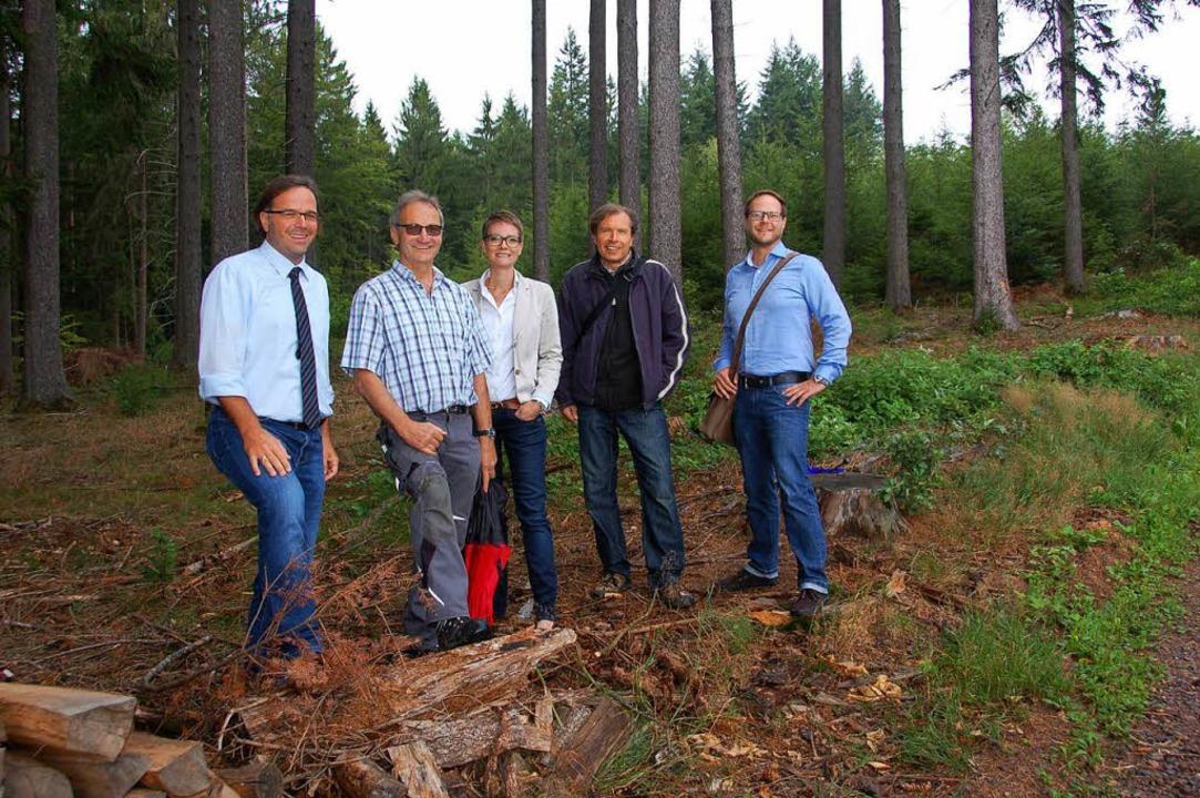 Bürgermeister Carsten Gabbert, Reinhar...deengeber Thomas Siefert und Nico Fieß  | Foto: Wolfgang Beck