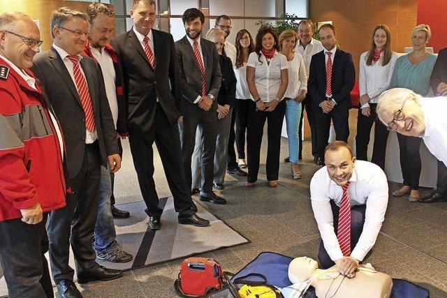 Defibrillator oder Herzdruckmassage