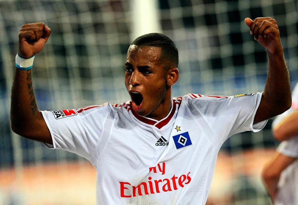 Nach seinem Abschied aus Freiburg spielte Aogo fünf Jahre lang beim HSV.    Foto: usage worldwide, Verwendung weltweit