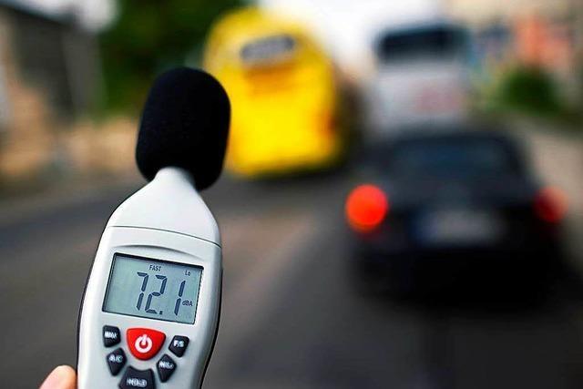 Motorenlärm auf Straße deutlich höher als gemessen