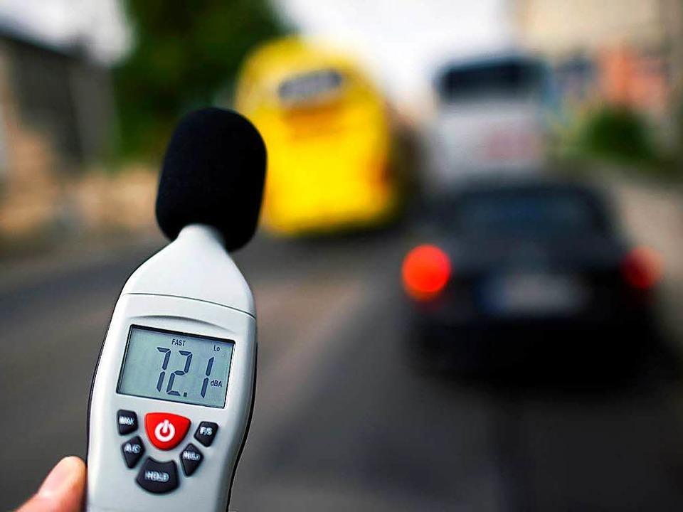 Die Werte der offiziellen Messverfahre...jenen ab, die  es auf der Straße gibt.  | Foto: dpa