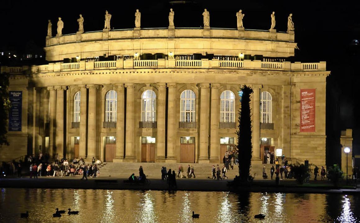350 Millionen Euro soll die Sanierung des Stuttgarter Opernhauses kosten.  | Foto: Bernd Weissbrod