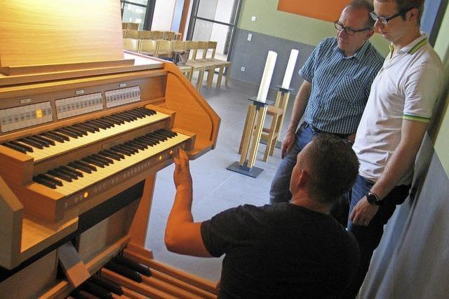 Die Friedhofshalle hat nun eine elektronische Orgel