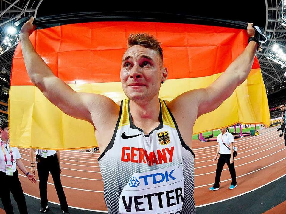 Freudentränen: Johannes Vetter aus Off... ist Speerwurf-Weltmeister und  happy.  | Foto: dpa