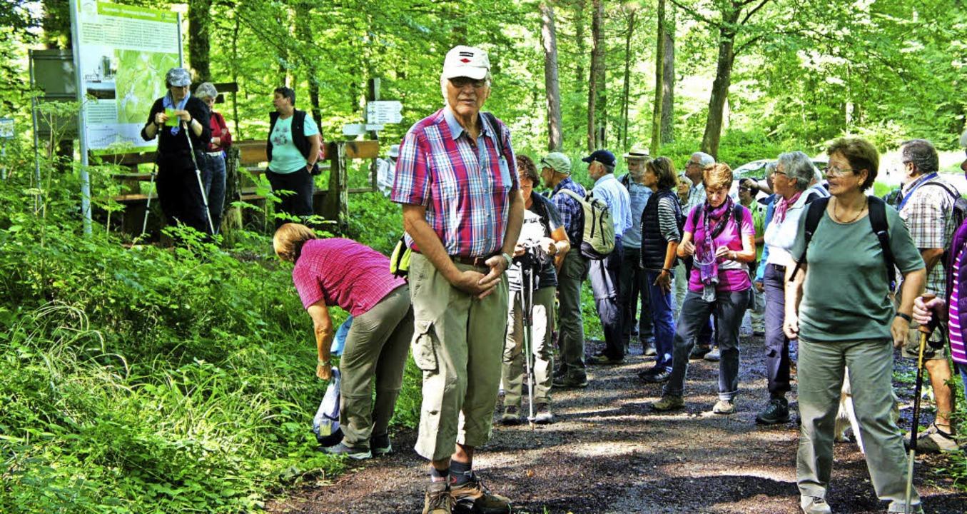 Informationstafeln am Weg helfen weite...er Wanderführer sind aber noch besser.    Foto: Johannes Sonnenberg
