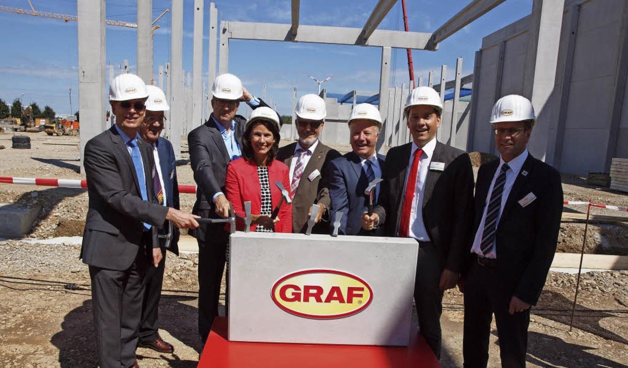 Der symbolische Baubeginn  mit Staatss...raf sein neues Kompetenzzentrum baut.   | Foto: Michael Haberer