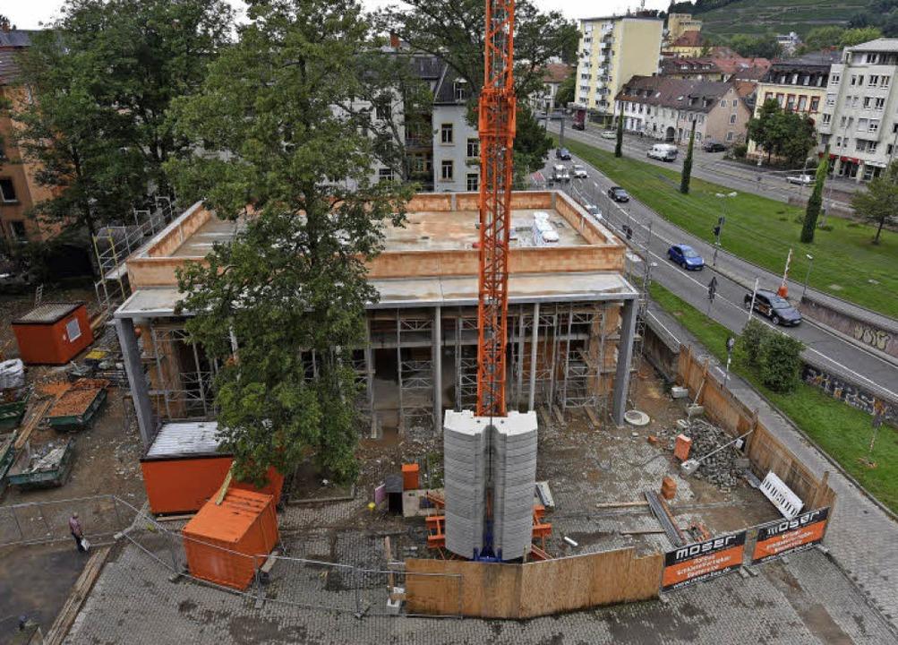 An der Schützenallee und Schwarzwaldstraße wird der neue Saal gebaut.     Foto: Rita Eggstein