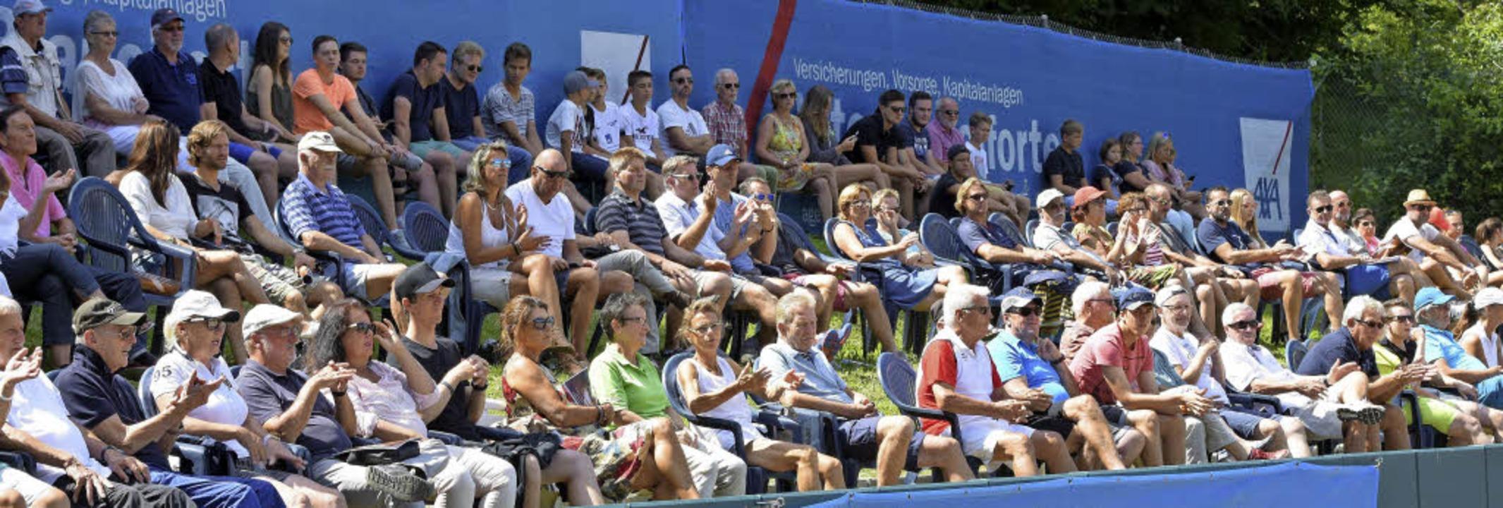 Der Publikumszuspruch auf der Tennisan...e Vorstellungen der Verantwortlichen.   | Foto: Sebastian Köhli