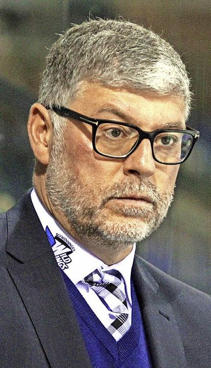 Schwenningens Trainer Pat Cortina nahm die Niederlage beim HC Thurgau gelassen.   | Foto: Dieter Reinhardt